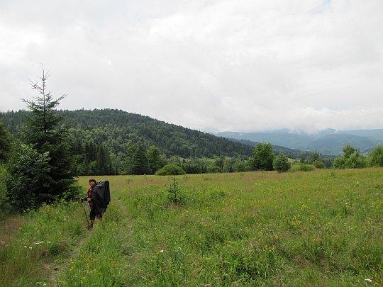 Przed nami Beskid Krzyżowski (923 m n.p.m.).