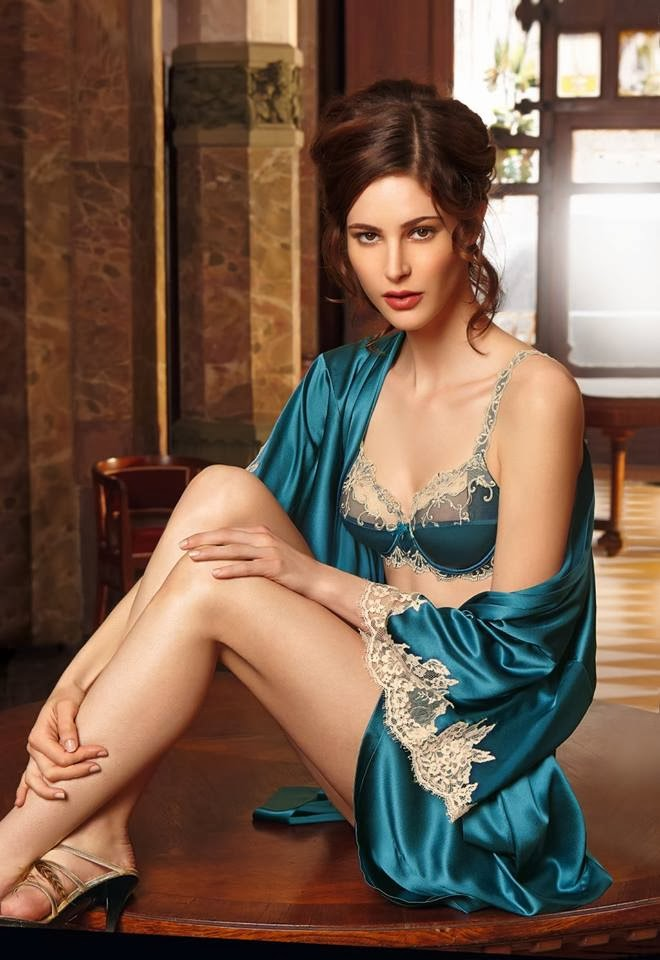 5362b562b Undercover Lingerista - Lingerie blog  Christmas giveaway  Win £100 to  spend on luxury lingerie with Honeys Lingerie Boutique!