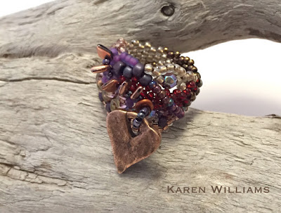 side view of Prickly Heart freeform peyote ring by Karen Wiliams