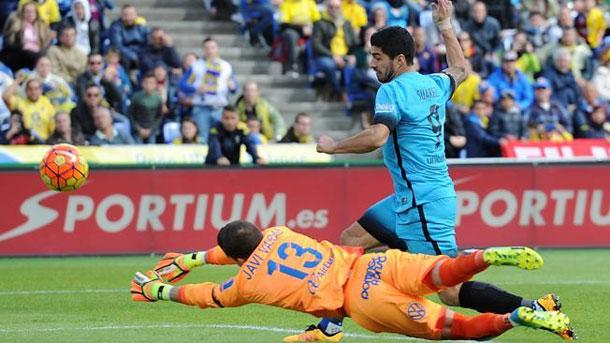 Luis Suárez participó en los dos goles contra la UD Las Palmas