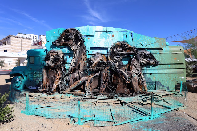 Our friend Bordalo II was also in Las Vegas, Nevada where he participated in the third edition of the always excellent Life Is Beautiful Festival which was curated by JUSTKIDS.