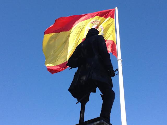 Don Blas de Lezo - Estatua a Blas de Lezo en la Plaza de Colón en Madrid - El orgullo inglés humillado por Blas de Lezo - Con cariño para Vernon - ÁlvaroGP - el troblogdita - Bandera de España