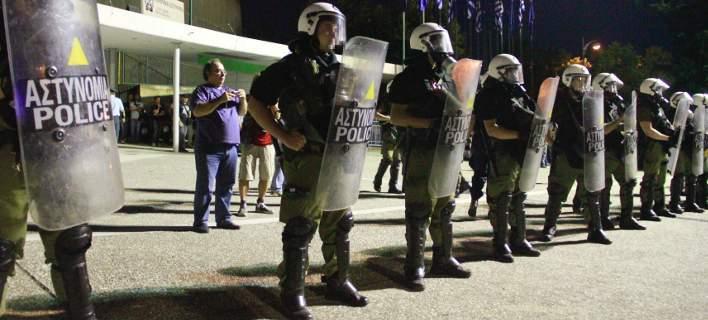 H αστυνομία σε ρόλο στρατού μαζί με FBI και ελεύθερους σκοπευτές στην Θεσσαλονίκη