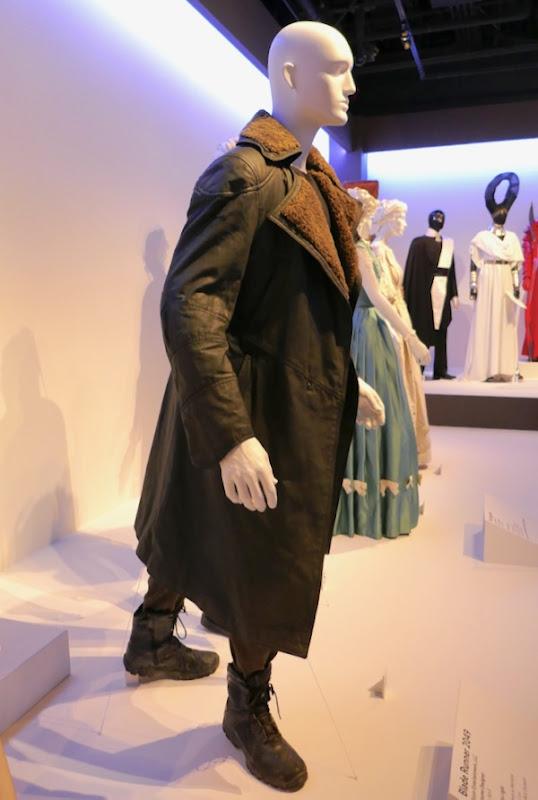 Ryan Gosling Blade Runner 2049 Officer K coat