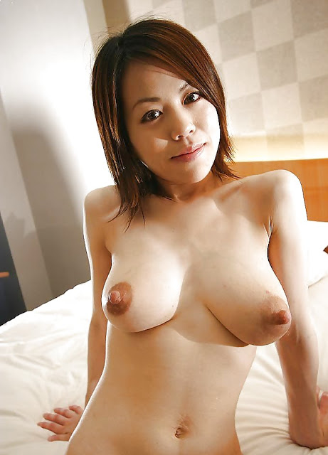2Big Huge Boobs Asian Women Naked Photos-8359