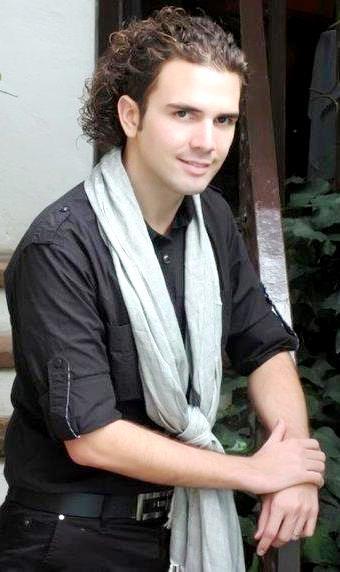 Foto de Jas Devael regalando una sonrisa