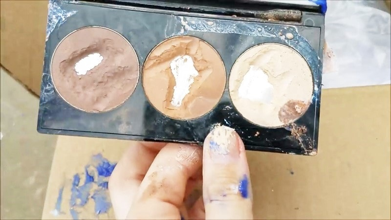 Beauty Gurus are Dumpster Diving for Make-Up