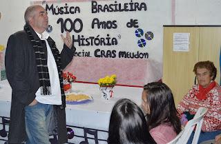 Hudson Fernandes apresenta a história da música brasileira nos CRAS de Teresópolis