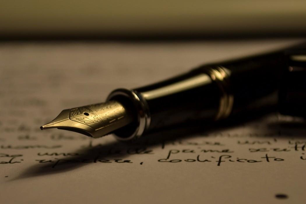 Bài viết bạn có nghĩ rằng ngày nay giáo dục văn học thì thích hợp hơn giáo dục khoa học không? - tiểu luận tiếng anh