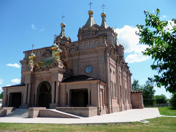 Старобельск. Свято-Скорбященский женский монастырь. Трипрестольный летний храм