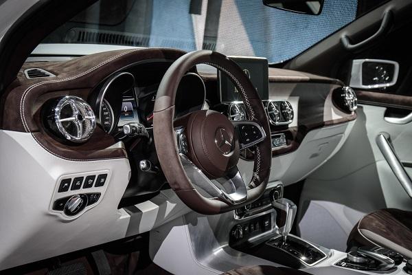 Interior Mercedes Benz Clase X Stylish Explorer