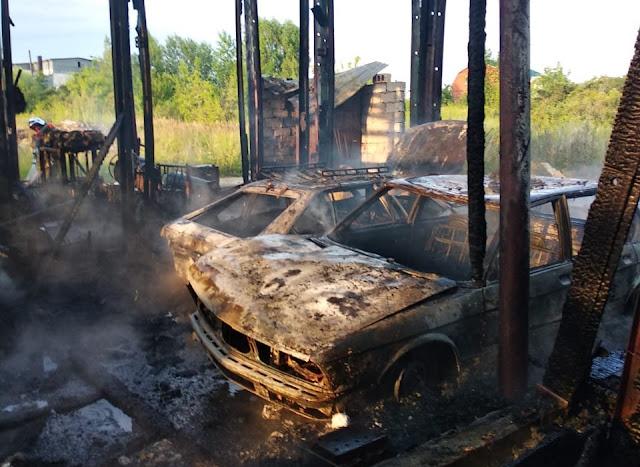 в Уфе произошел крупный пожар: сгорели пять авто