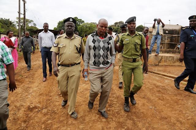 DC SABAYA AAMURU KUKAMATWA KWA MWEKEZAJI SHAMBA LA KIBO AND KIKAFU ESTATE NA MWANASHERA WAKE
