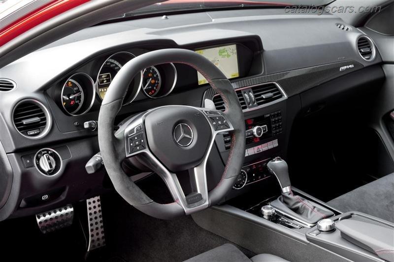 صور سيارة مرسيدس بنز C63 AMG كوبيه الأسود سيريس 2015 - اجمل خلفيات صور عربية مرسيدس بنز سيريس 2015 - Mercedes-Benz C63 AMG Coupe Black Series Photos Mercedes-Benz_C63_AMG_Coupe_Black_Series_2012_800x600_wallpaper_17.jpg