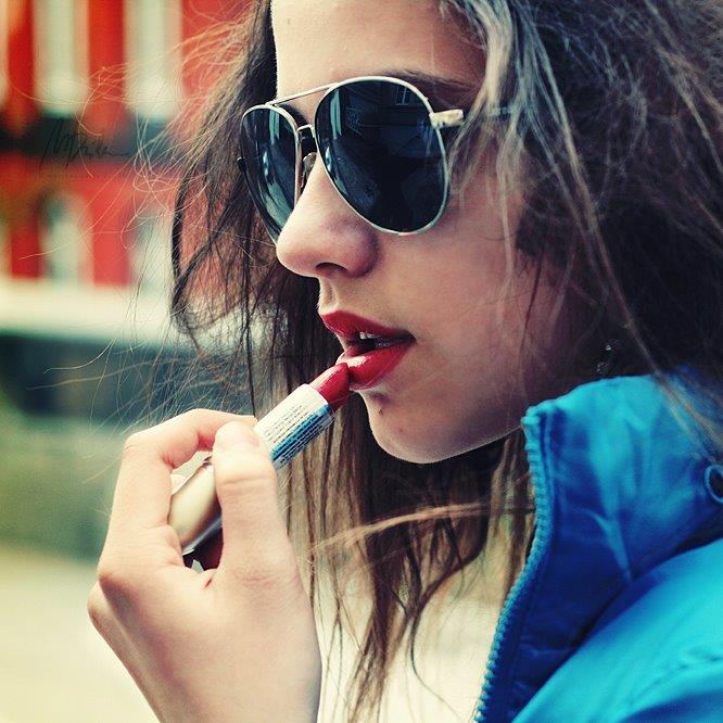 Cool Stylish Facebook Profile Pics For Girls