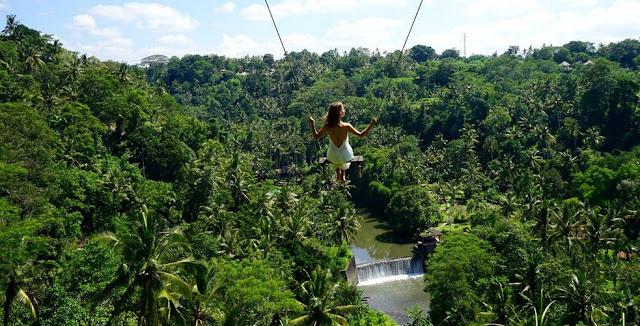 Tempat Wisata Hits di Bali yaitu Ayunan Sungai Ayung
