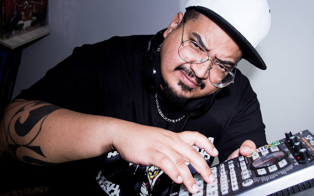 Neste sábado (21/10) o rapper e guitarrista Sandrox se apresenta em São Sebastião-DF.