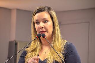 Camila cobra informações ao Governo do Estado sobre reforma em estádios
