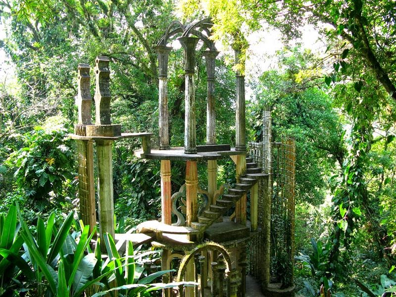 "Las Pozas is a ""surrealist garden"" created by Edward James, a British poet and supporter of the Surrealist movement. Las Pozas is close to the town of Xilitla (San Luis Potosí, México). Between 1949 and 1984 James developed the gardens in the tropical rainforest dotted with natural waterfalls and pools and built fantastic sculptures throughout."