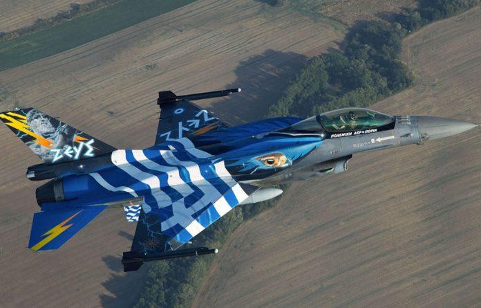 Οι Έλληνες φορολογούμενοι πληρώνουν 5.3 εκατ. ευρώ για να προστατεύουν τα Ελληνικά F-16 την Αλβανία