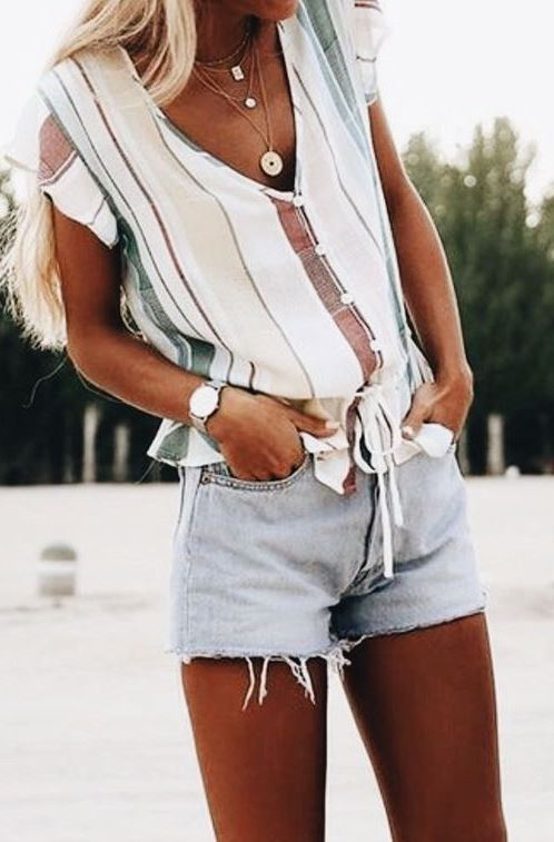 summer outfit idea / striped top + shorts