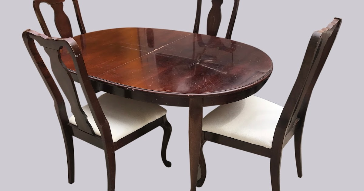Uhuru Furniture Collectibles Table 4 Chairs 75 Sold