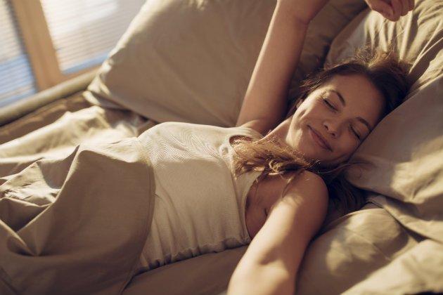 ¡ATENTAS, dormilonas! Las mujeres necesitamos dormir más que los hombres según la ciencia