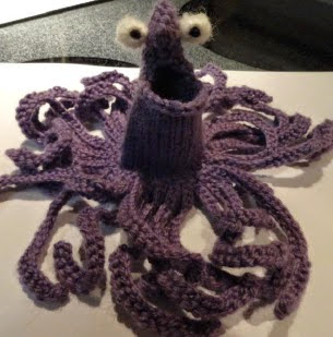 http://www.ravelry.com/patterns/library/knitted-yip-yip-the-alien