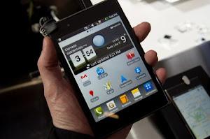 harga hp optimus vu, spesifikasi lengkap ponsel android quad core optimus vu. gambar dan review LG Optimus VU