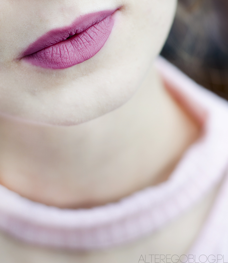 szminka lovely nr 5, szminka lovely matowa, matowa szminka lovely, matowa pomadka lovely, matowa pomadka lovely swatch, matowa pomadka lovely recenzja