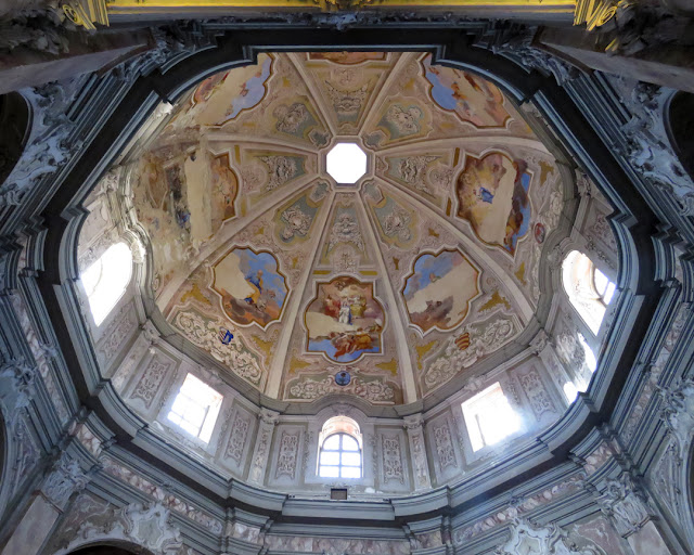 Frescoes in the dome of Santa Caterina (St. Catherine), Piazza dei Domenicani