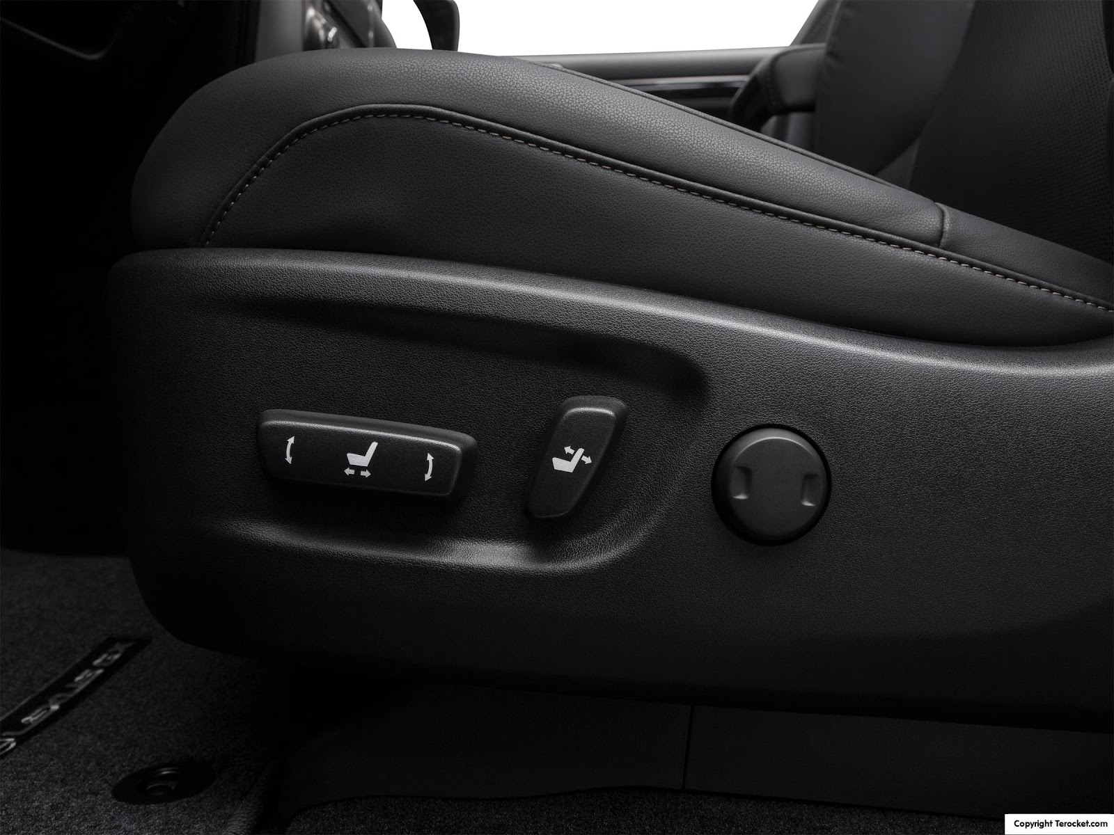 Ghế chỉnh điện, các chiều thoải mái, giúp ngồi sướng hơn, êm hơn