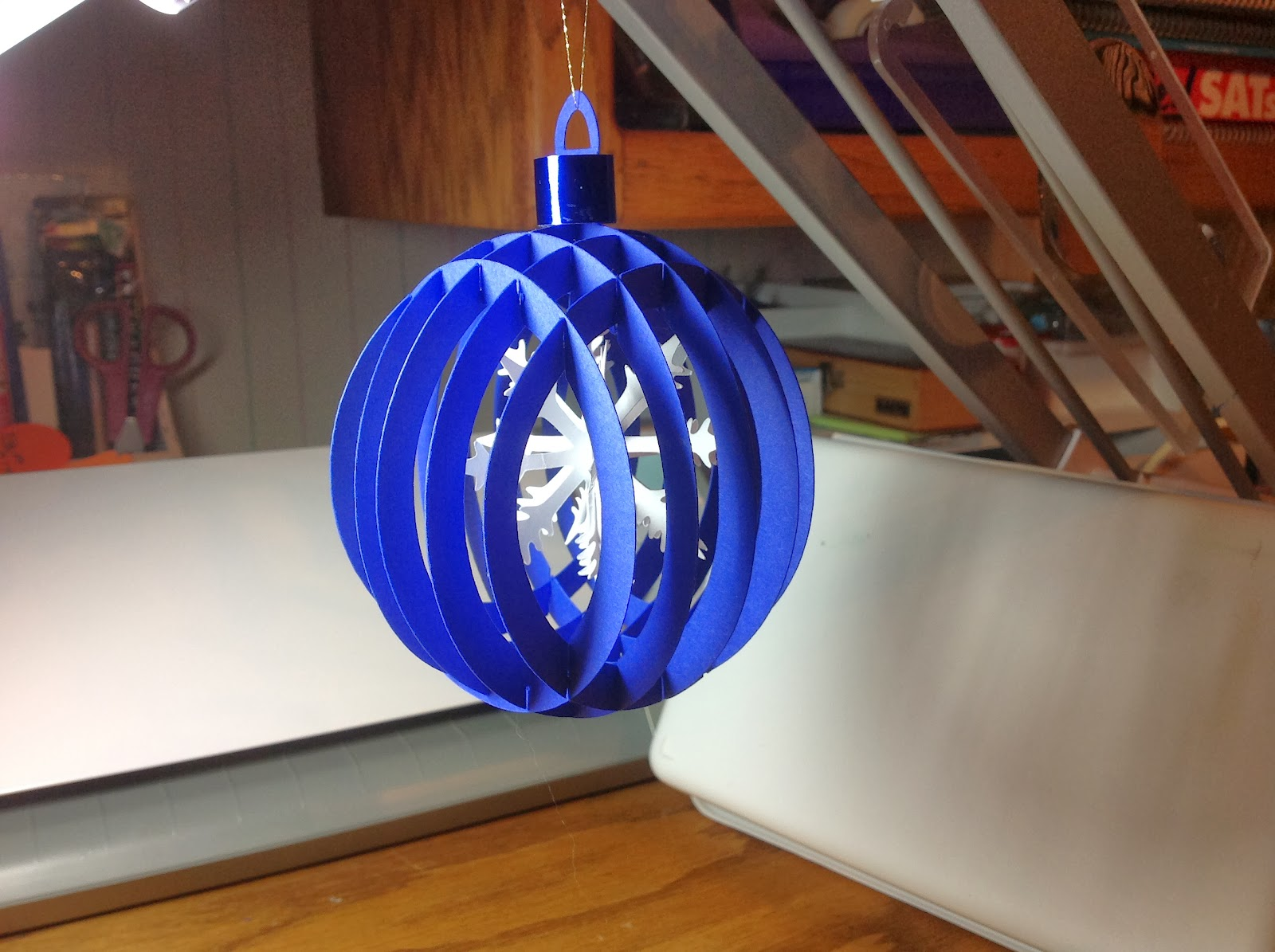 Papercrafts and other fun things: Sliceform Christmas Ball ...