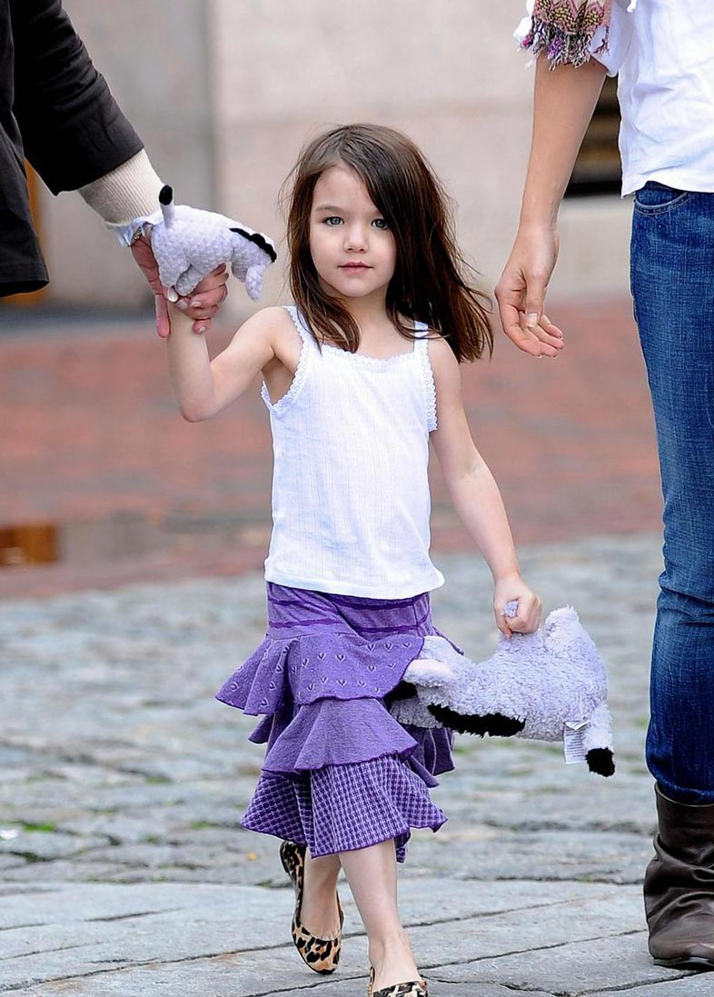 Suri Cruise Hd Wallpapers Suri Cruise Hd Wallpapers High Definition Free