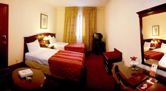 فندق York International