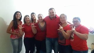 Em Picuí equipe de saúde trabalha de vermelho em solidariedade ao ex-presidente Lula