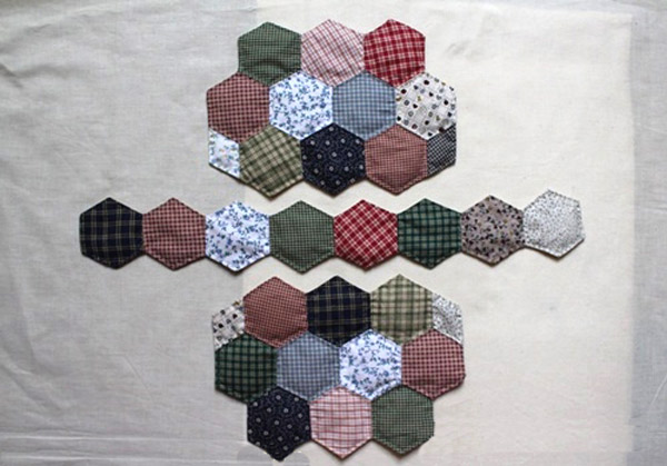 Hexagon patchwork hand bag. DIY tutorial in pictures.