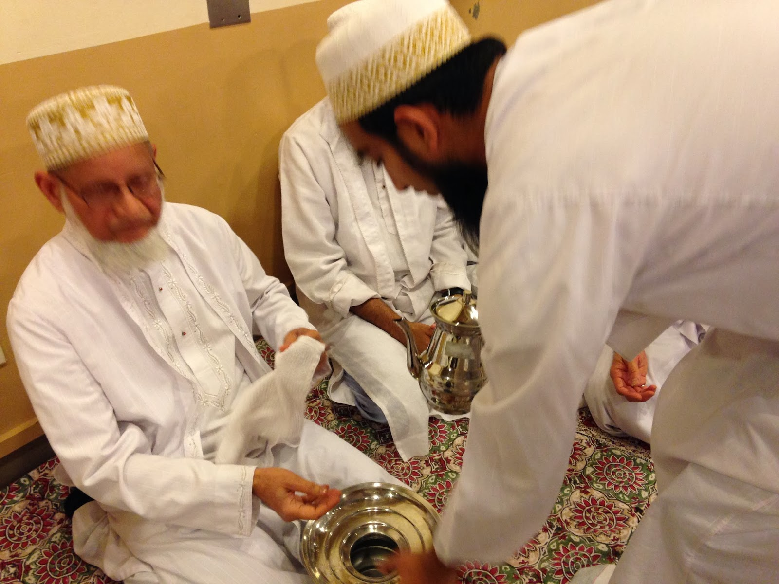 The Ghouse Diary: Applauding Bohra Muslim Community