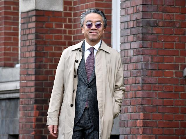 スーツとコートのコーディネート
