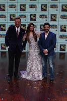 Raveena Tandon, Arshad Warsi and Boman Irani at the Launch Of New Show Sabse Bada Kalakar (3).JPG