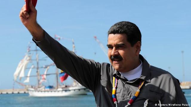 Maduro anuncia las maniobras militares desde La Guaira.
