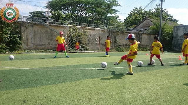 Học bóng đá mang lại lợi ích gì, lớp dạy bóng đá trẻ em ở đâu TP HCM?