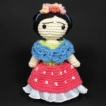 http://descabdello.blogspot.com.es/2017/08/the-frida-kahlo-crochet-pattern.html