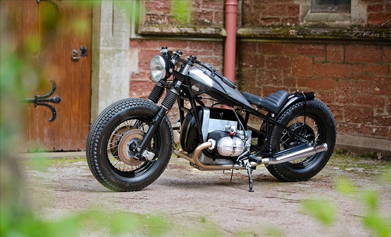 Simple, beautiful and brutal. Kevils Bomber moto