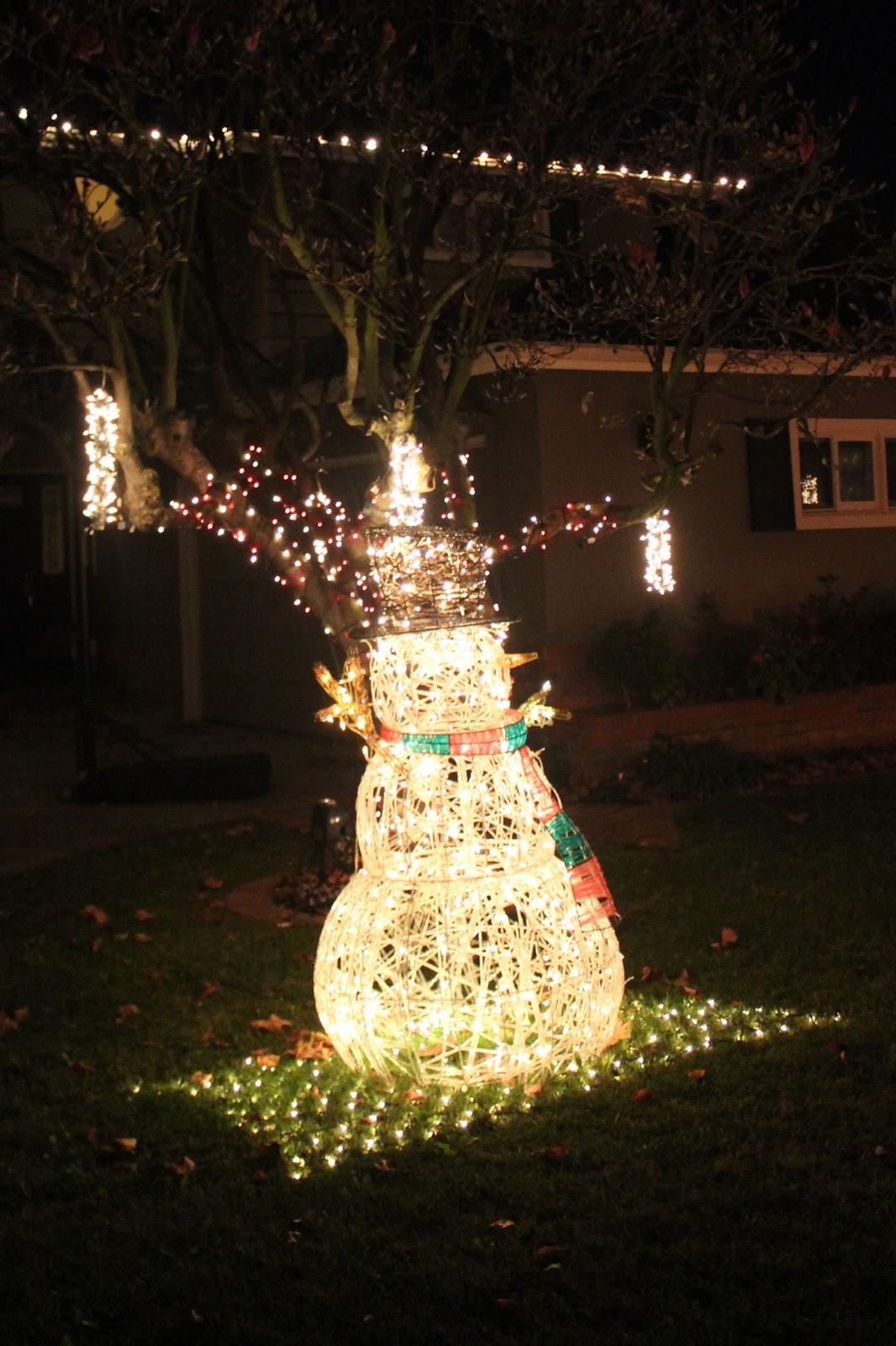 #B29219 Les Tribulations D'une Famille Française En Californie  5329 décorations de noel aux etats unis 1066x1600 px @ aertt.com