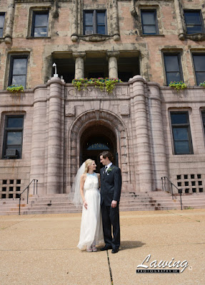 St Louis City Hall Elopement outside