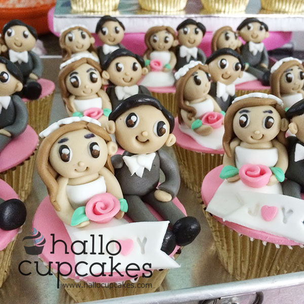Hallo cupcakes cupcake untuk souvenir wedding acara mingle dengan packing mika satuan sudah termasuk pita eksklusif sesuai tema cupcake packing satuan ini juga bisa junglespirit Image collections