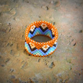купить украшения из бисера в этническом стиле яркие кольца на палец фото