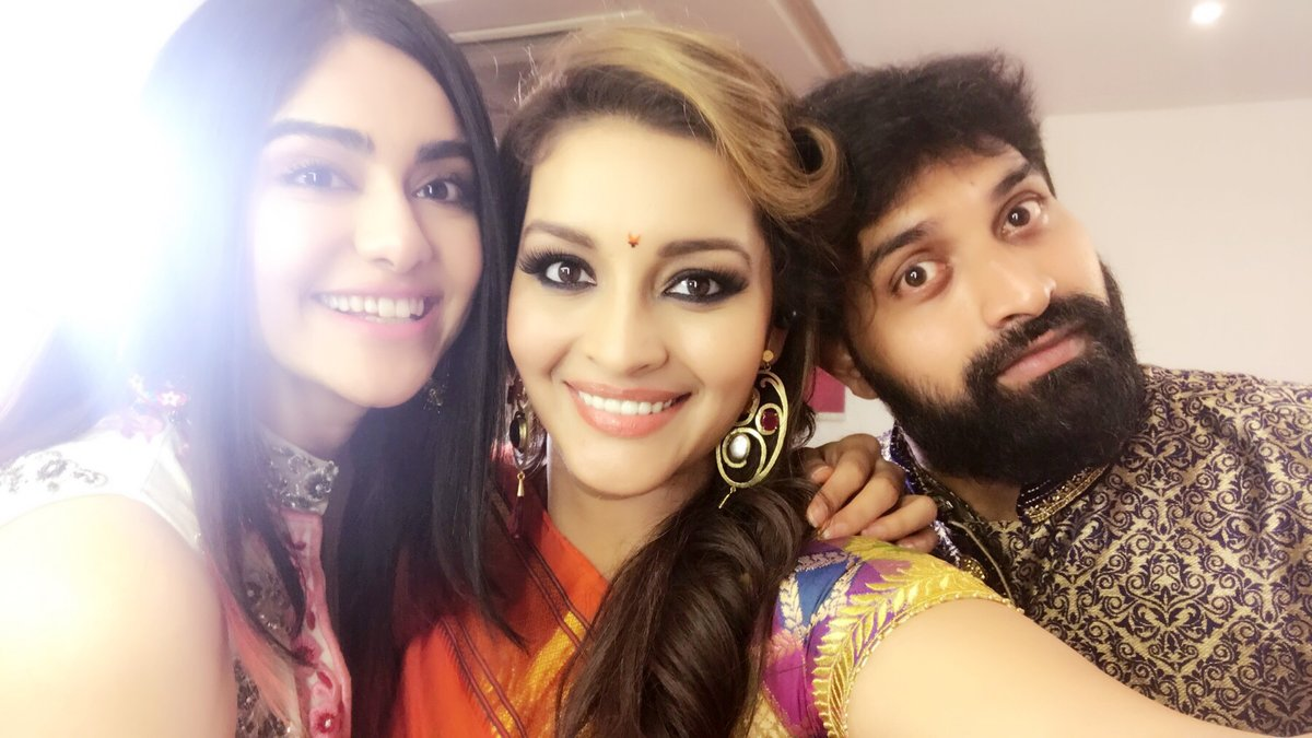 Actress AdahSharma Latest HD Images In Saree