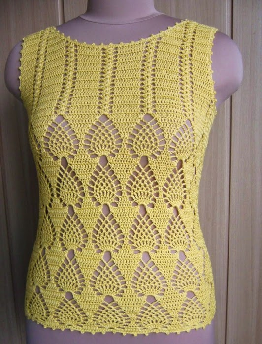 See that beautiful blouse made in crochet Shop with a standard easy elegant
